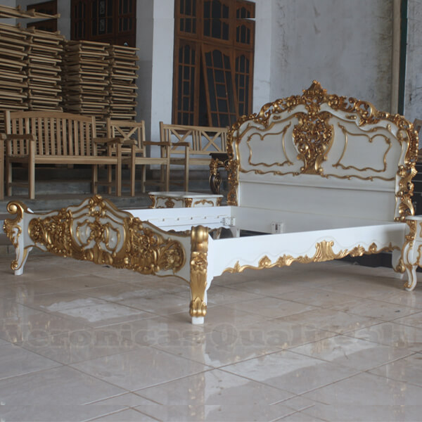 Antique White Painted Rococo Bed With Gold Leaf