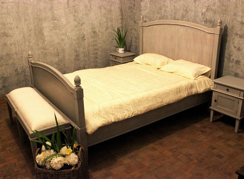 Classic Bed Sets with Swedish Furniture Design