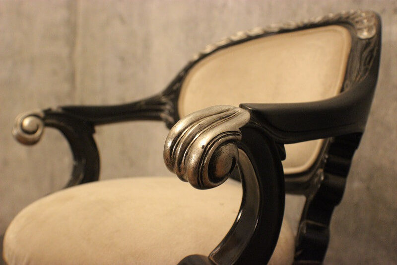 how to antique furniture using glaze