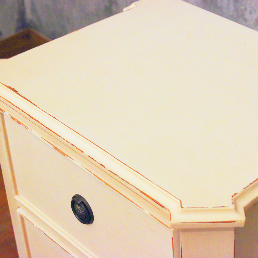 White Painted 3 Drawer Bedside detail view top